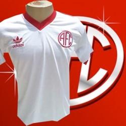 - Camisa retrô América RJ logo branca