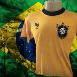 Camisa polo  Seleção brasileira branca com gola amarela