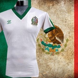 Camisa retrô Mexico branca logo 1986.